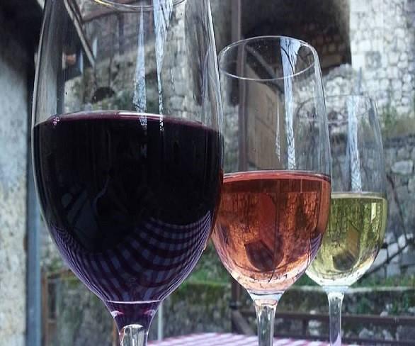 Degustacija tri vrste vina