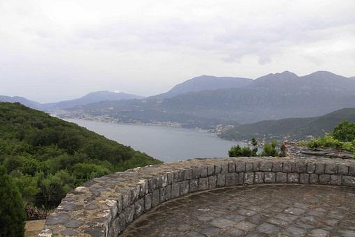 Pogled sa poluostrva Luštica